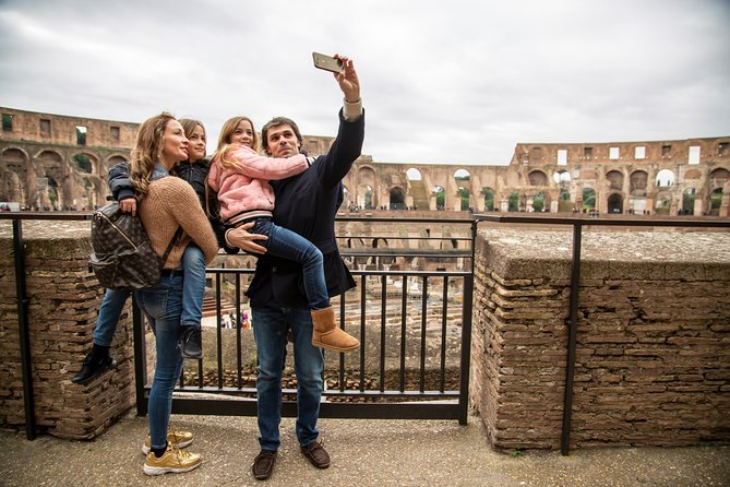 Child-Friendly Colosseum Tour with Skip-the-line Fast Entrance & Roman Forums