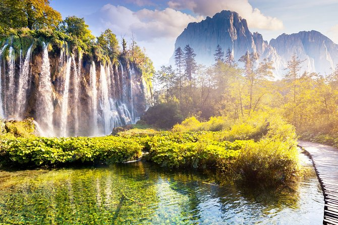 Private Transfer from Zagreb to Split with stop at Plitvice Lakes