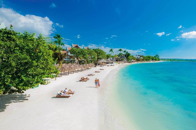 (Roundtrip) Private Airport Transfer to Hotels in Negril