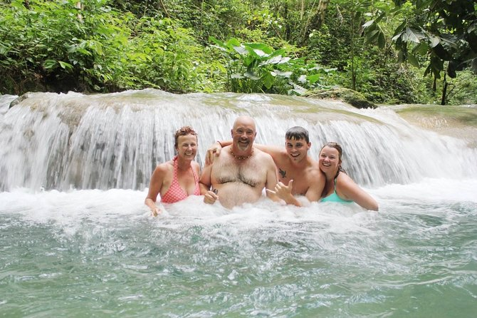 Private Full-Day Tour in Mayfield Falls with Hotel Pick Up