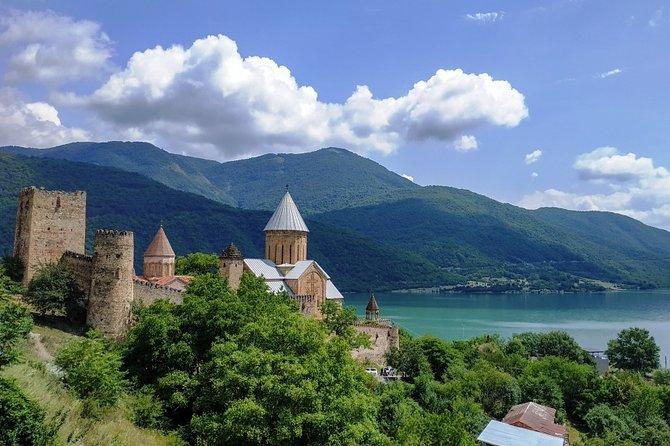 Stepantsminda (Kazbegi), Ananuri, Gergeti Tour