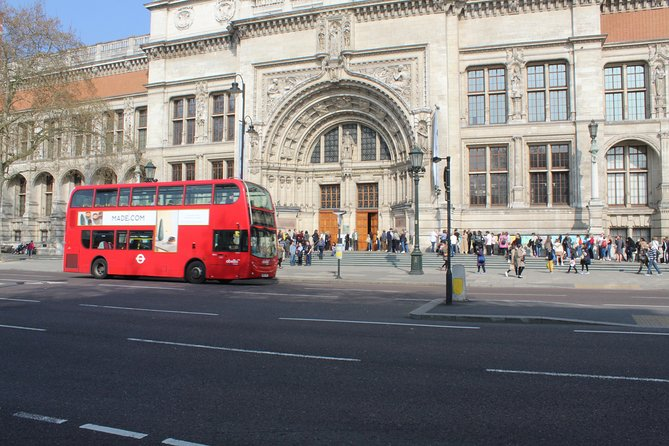 Private One Way or Round Trip Transfer: Kensington SW London to Gatwick Airport