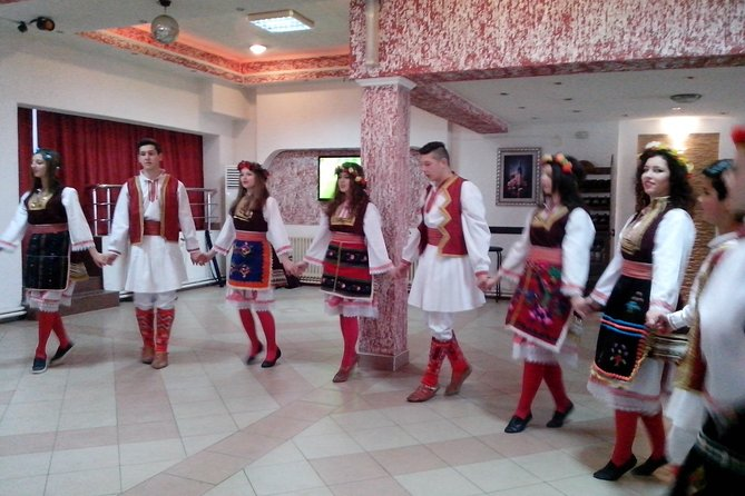 Private Sofia Night Tour with Bulgarian Folklore Show & Dinner