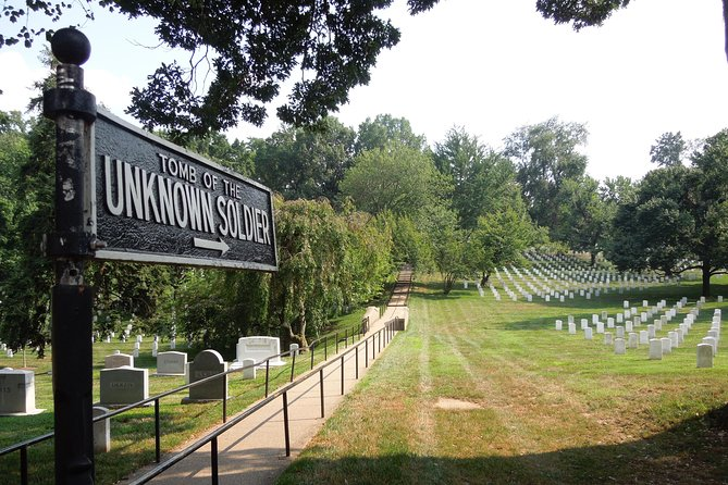 George Washington's Mount Vernon and Arlington National Cemetery Tour