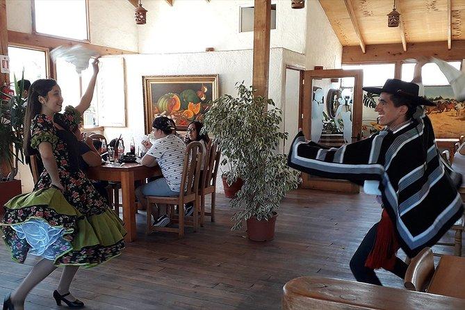 Private Shore Excursion from San Antonio: Discover Isla Negra & Pomaire Village