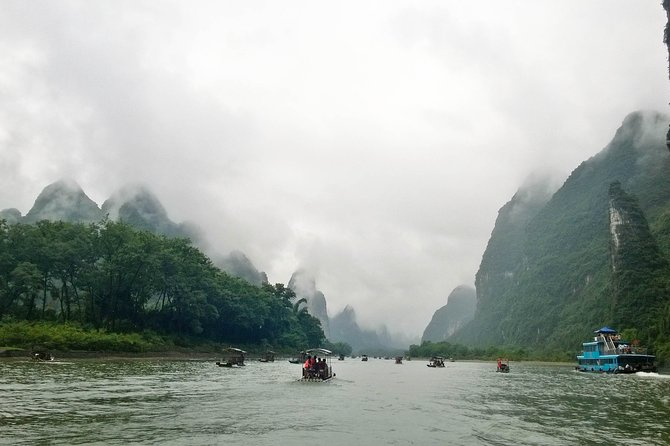 Li River Cruise Full Day Private Tour of Guilin and Yangshuo including Lunch