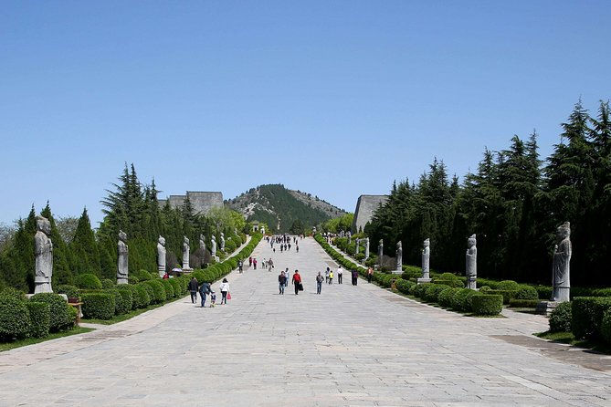 Classic Han Dynasty & Tang Dynasty Private Day Tour from Xian including Lunch