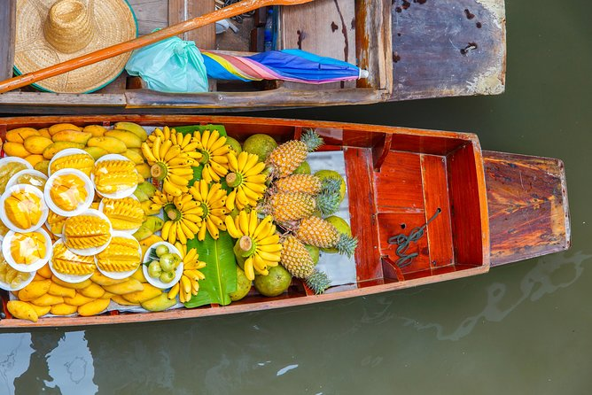 Private Tour: Maeklong Railway Market and Damnoen Saduak Floating Market