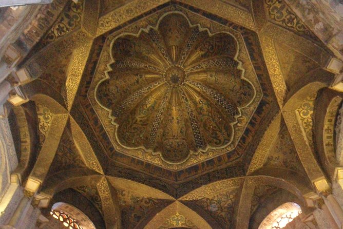 Visit Cathedral Mosque with an accredited guide