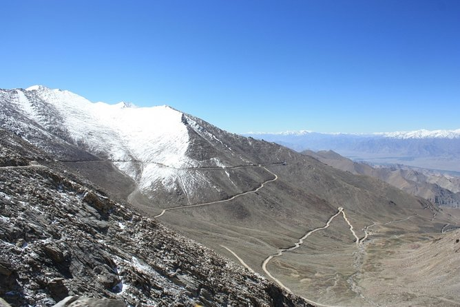 Leh to Khardungla Pass Full Day Excursion
