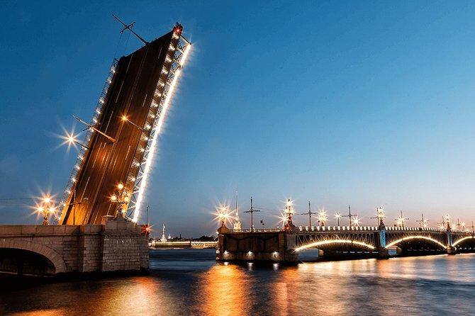 Night Shore Excursion: Drawbridges and White nights