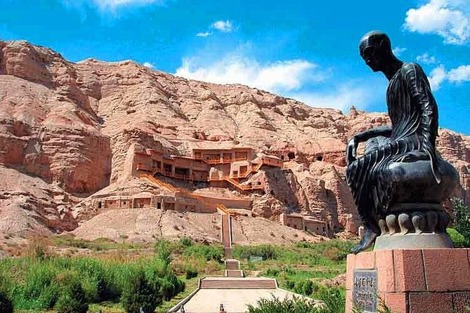 Kuqa Private Day Tour to Kizil Grottoes and Mystic Tianshan Grand Canyon