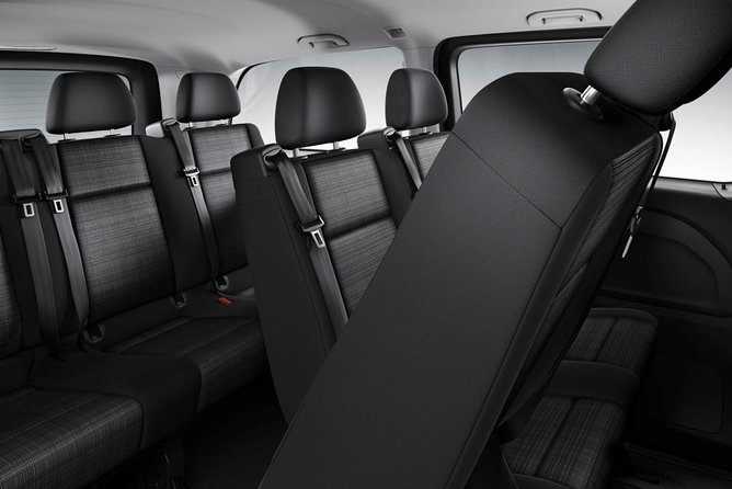 Arrival Private Transfer Larnaca Airport LCA to Larnaca City / Bay by Minivan