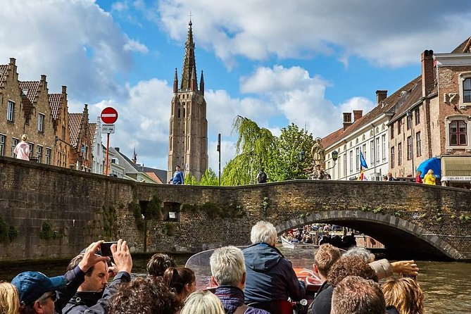 Full Day Private Tour to Medieval Brugge with a Licensed Guide and Limo Driver