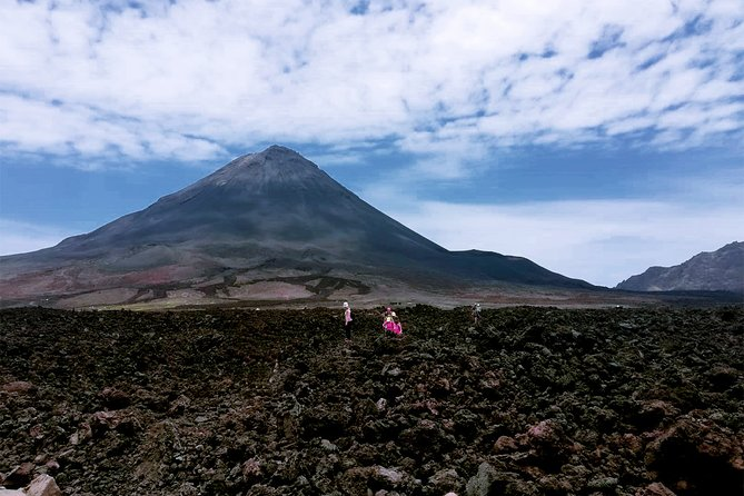 Fogo Island: Hike to the peak of the Vulcano (2829 m)