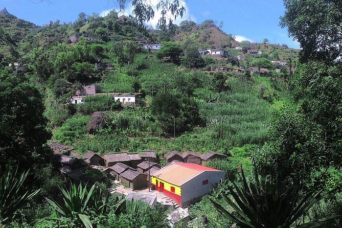 Santiago Island: Longueira, Pico de Antónia & Monte Tchota Trek