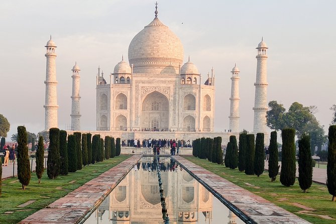 Turn Up For A Visit To Taj Mahal And Unexplored Marvellous Monuments