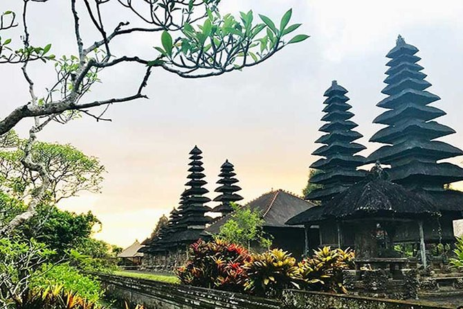 Private Tour:Ubud Monkey Forest ,Taman Ayun &Tanah Lot Tour with Entrance ticket