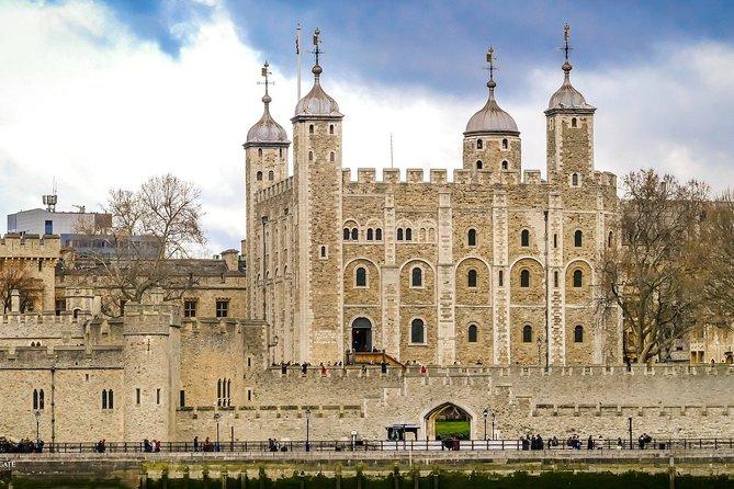 Roman Ruins to Blitz Bombings: The City of London's 2000 Year History