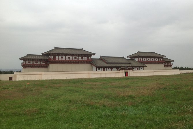 Han Yang Ling Mausoleum & Yuanjiacun Village One Day Private Tour with Lunch