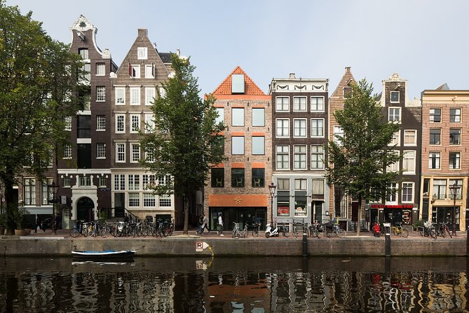 Self-guided Virtual Tour of De Wallen: The The Red Light district