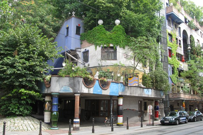 Virtual tour: on the trail of Hundertwasser