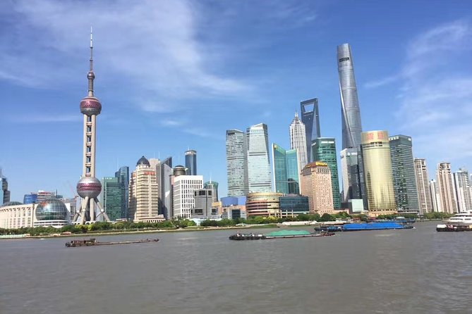 Private Tour of Shanghai City Highlights with Pickup and Local Delicacy