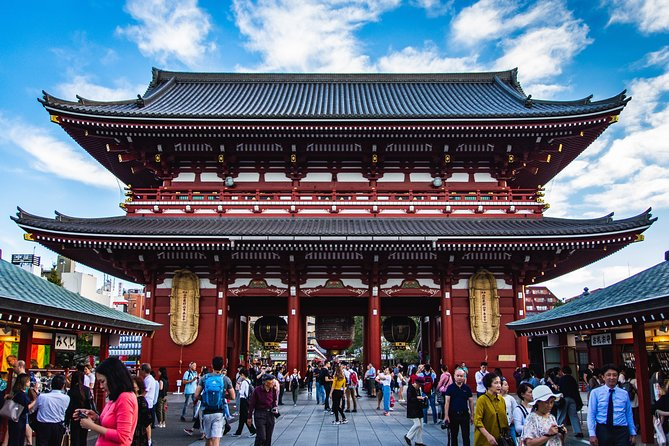 Tokyo Personalized Full-day Tour with a Top-rated Guide Haruka