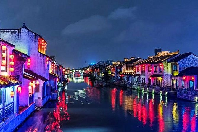 Wuxi Private Night Tour with Boat Cruise and Authentical Dinner