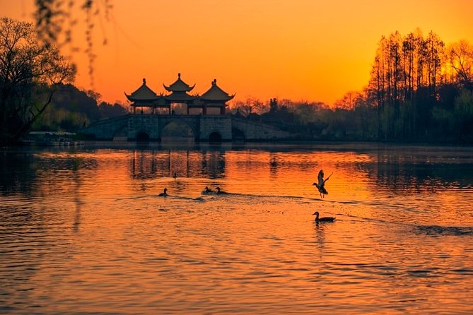 Half-day Private Yangzhou Sunset Tour with Boat Ride