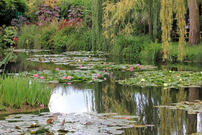The Best of Paris & Giverny private tour