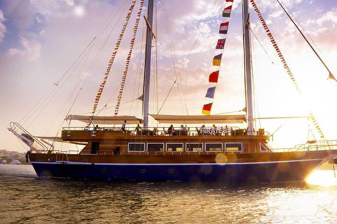 Pirates Luxury Romantic Dinner With life band - Hurghada