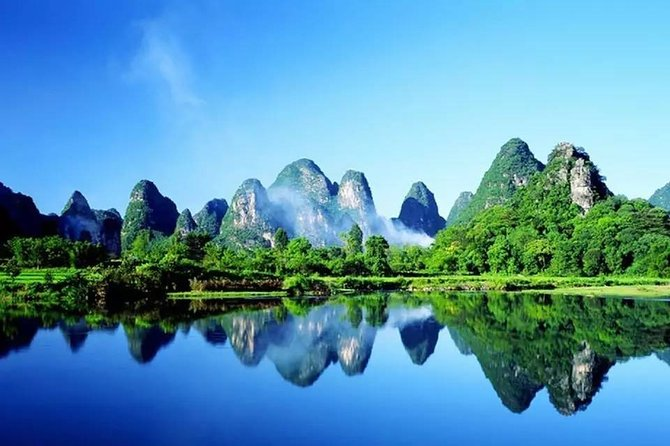 Private Overnight Guilin and Yangshuo Tour by Air from Chengdu