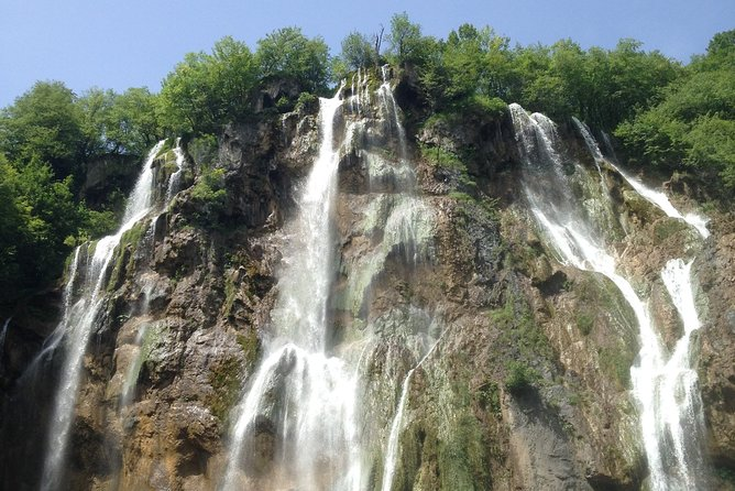Tour to the PLITVICE LAKES in PORTUGUESE, in a small group of up to 7 people