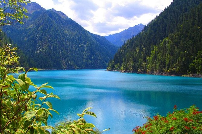 Private 4-Day Jiuzhaigou and Huanglong National Parks Tour from Chengdu
