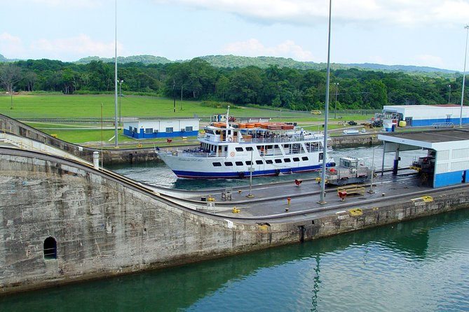Full-Day Panama Canal Partial Transit Tour