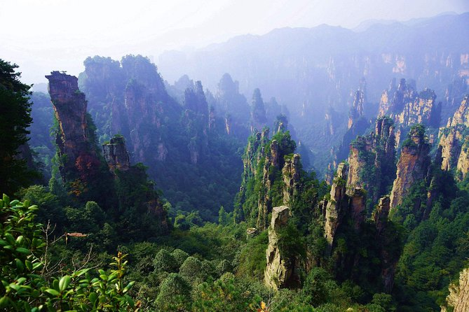Hunan 6-Day Private Tour to Changsha-Zhangjiajie-Fenghuang with Private Vehicles