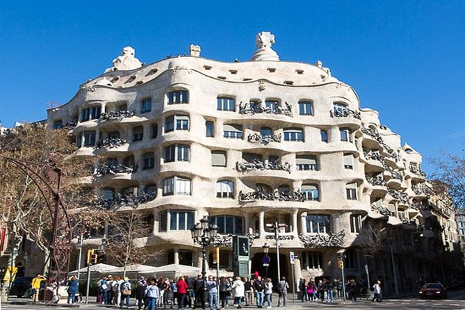 Barcelona City + La Roca Village Tour