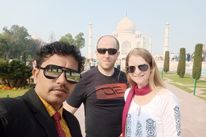 Sunrise Taj Mahal Tour by Car From Delhi