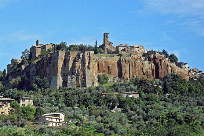 Shared Orvieto and Civita di Bagnoregio Historical Day Tour from Rome