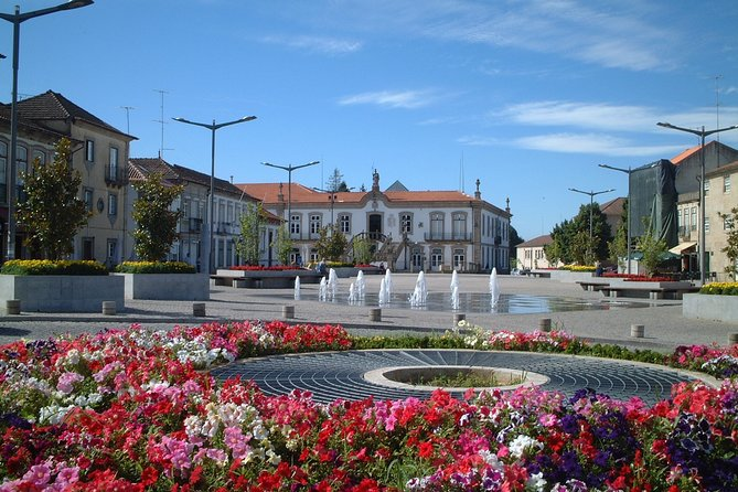 Eastern Algarve & Spain Guided Bus Tour with Lunch