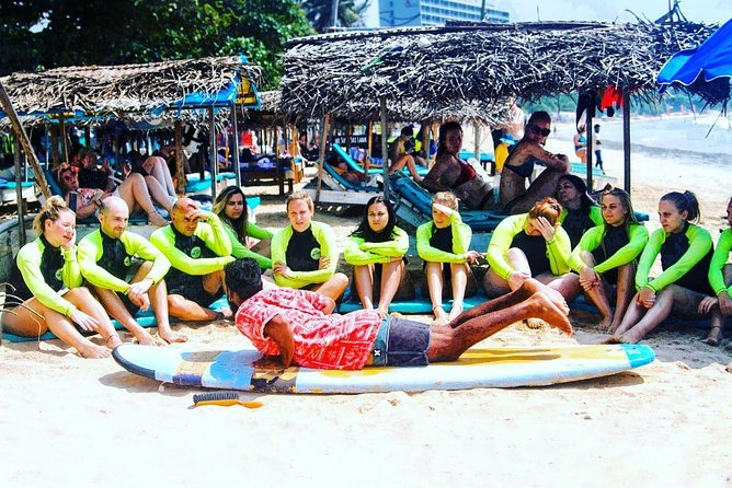 Group Surf lesson for Beginners (5 Person)
