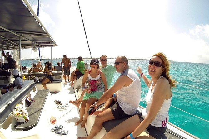 Isla Mujeres by Boat with Snorkeling and Open Bar from Cancun