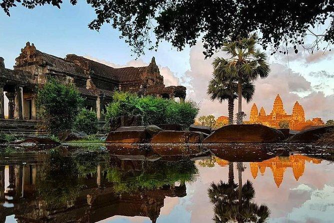 Sun Set Angkor Wat, South Gate, Bayon plus Street Food
