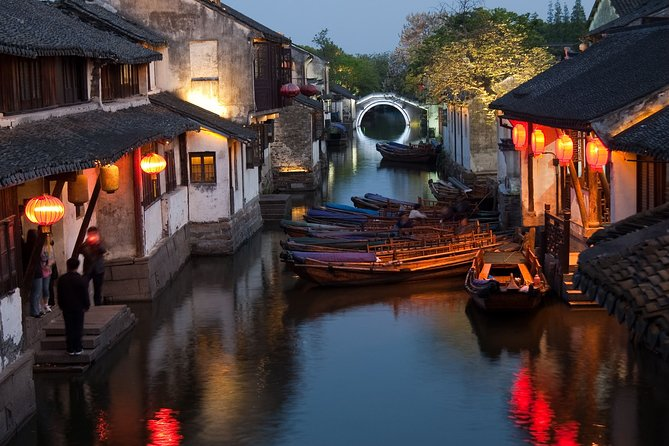 Tongli and Zhouzhuang Water Town Self-Guided Tour from Wuxi by Private Transfer