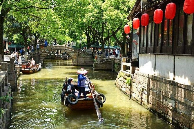 Wuxi Private Transfer to Suzhou with stop-over at Tongli Water Town