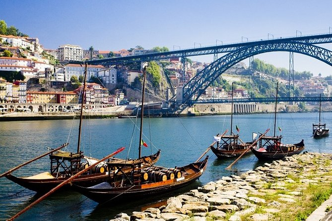 Private Lisbon Tour to Porto with stops along the journey