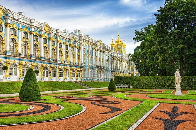 St. Petersburg Private Visa-Free Shore Catherine Palace (Amber Room) & Peterhof