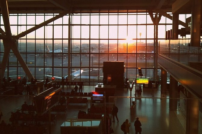 Heathrow Airport Private Transfers to/from London (Postcode SW5 to SW11)