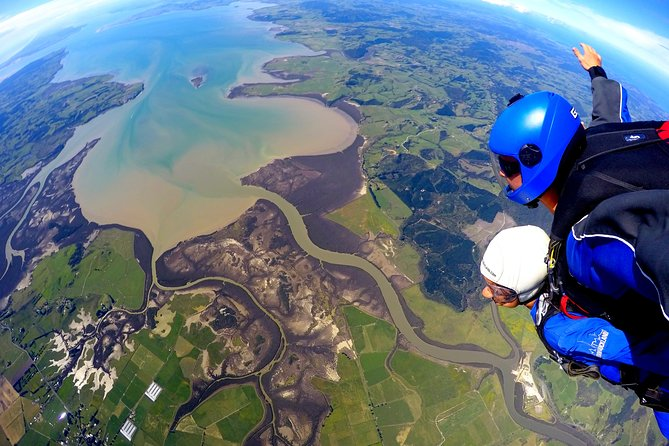 20,000 Feet Tandem Skydive Experience